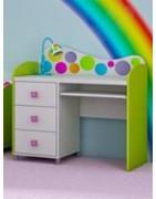 Viameble | Pojemne, funkcjonalne biurka do pokoju dziecka